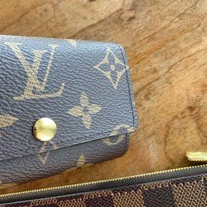 SOLD. Authentic Louis Vuitton Key holder
